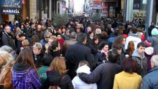 Εορταστικό ωράριο Χριστουγέννων 2016: Δύο Κυριακές θα είναι ανοικτά τα μαγαζιά