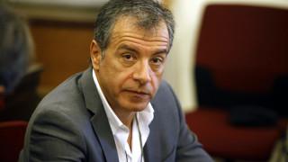 Σ.Θεοδωράκης: Να καταθέσουμε πρόταση μομφής κατά του Ζουράρι
