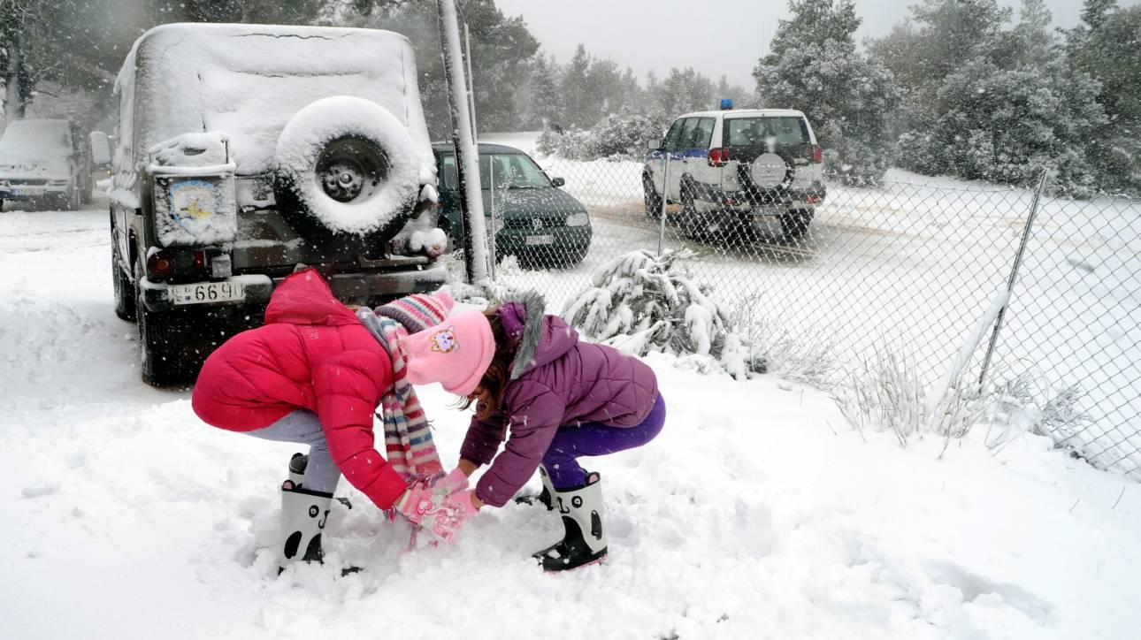 Αποτέλεσμα εικόνας για χιονόπτωση ΚΛΑΙΣΤΑ ΣΛΕΙΑ