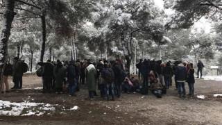 Διακινητές παράτησαν πρόσφυγες και μετανάστες στο χιονισμένο Σέιχ Σου
