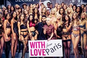 Οι Lady Gaga & o The Weeknd με τους Αγγέλους