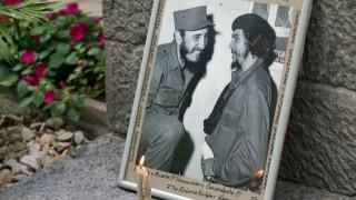 Η μεταθανάτια «συνάντηση» Φιντέλ Κάστρο και Τσε Γκεβάρα