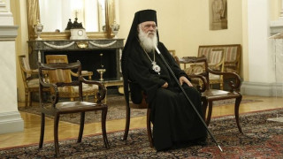 Αρχιεπίσκοπος Ιερώνυμος: Η Εκκλησία δεν διεκδικεί καμία εξουσία