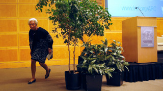 Φέρνουν το ΔΝΤ στο πρόγραμμα ενισχύοντας τον «κόφτη»