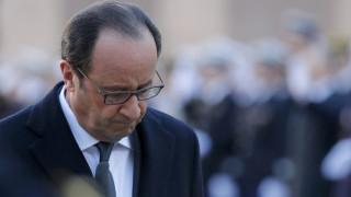 Le Figaro: Ο Ολάντ στην πραγματικότητα δεν υπήρξε ποτέ πρόεδρος