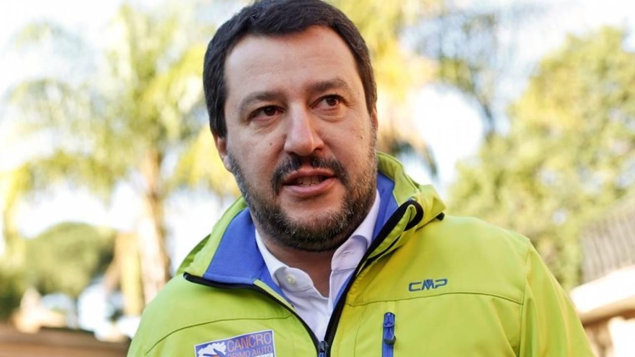 Δημοψήφισμα Ιταλία: Ευθείες βολές από τον Σαλβίνι κατά του Ματέο Ρέντσι