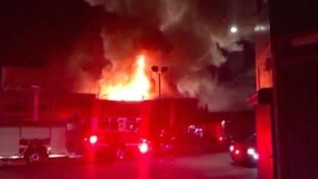 Κόλαση στο Όκλαντ: 9 νεκροί από πυρκαγιά σε αποθήκη