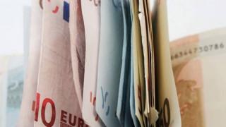 «Φρέναραν» οι επιστροφές φόρου