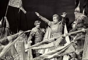 """Όπερα """"Πρίγκιπας 'Ιγκορ"""" του Α. Μποροντίν. Στο ρόλο του Ίγκορ ο Ε. Νεστερένκο. Από τη συλλογή του Μουσείου του Θεάτρου Μπολσόι της Ρωσίας"""