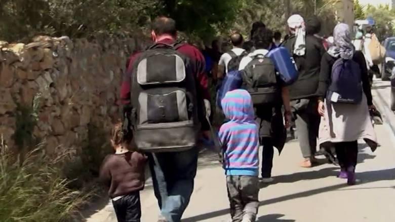 WSJ: «Χάθηκαν» 13.000 πρόσφυγες από την Ελλάδα