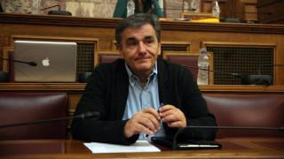 Ο Ε. Τσακαλώτος στη Βουλή: Όχι σε νέα μέτρα