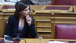 Η Ε. Αχτσιόγλου ζητά επαναφορά των συλλογικών διαπραγματεύσεων