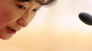 Ν. Κορέα: Ένα βήμα πριν από την καθαίρεση η Πρόεδρος