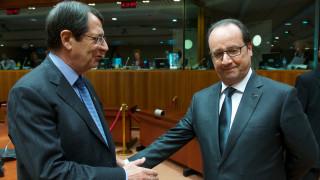 Η επίσκεψη «αστραπή» του Ολάντ στην Κύπρο