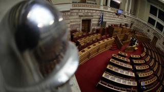 Προϋπολογισμός 2017: Ανεβαίνουν οι τόνοι στη Βουλή