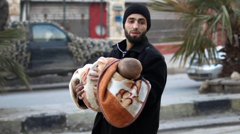 Χαλέπι: Περισσότερα από 100 παιδιά παγιδευμένα σε υπό πολιορκία κτίριο