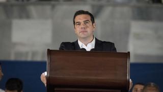 Αλ. Τσίπρας οργισμένος κατά ΔΝΤ: «Ανόητοι τεχνοκράτες»