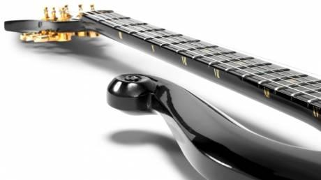 Τζίμι Χέντριξ και Prince: οι ιστορικές κιθάρες της ροκ στο σφυρί