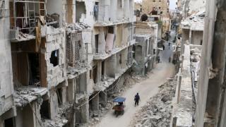 Χαλέπι: Οι αντάρτες φεύγουν, οι άμαχοι μένουν (pics&vid)