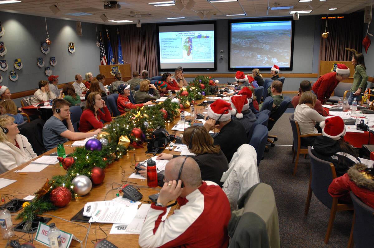 NORAD Tracks Santa 2007 Ops Center copy