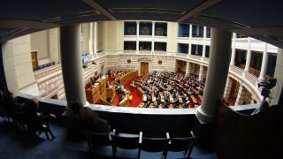 Πιέζει κόμματα και δανειστές ο Αλ. Τσίπρας με την ψηφοφορία