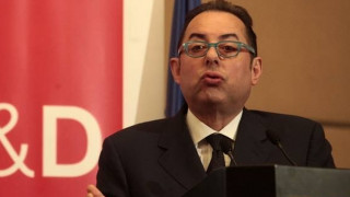 Τζ. Πιτέλα: Όνειδος η απόφαση της ευρωζώνης για την Ελλάδα