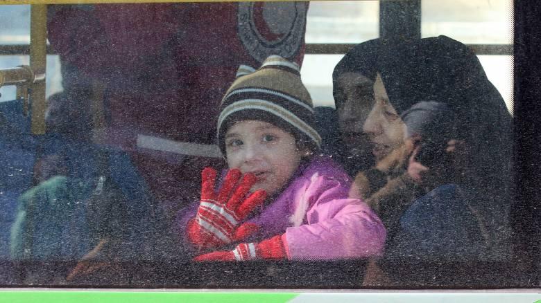 Χαλέπι: Συνεχίζεται η αποχώρηση των αμάχων και των ανταρτών (pics&vid)