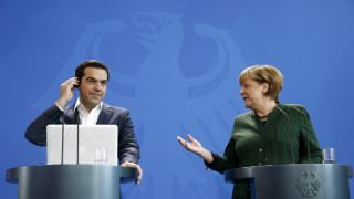 Μήνυμα Μέρκελ σε Τσίπρα: Δεν λαμβάνονται εδώ οι αποφάσεις για την οικονομία