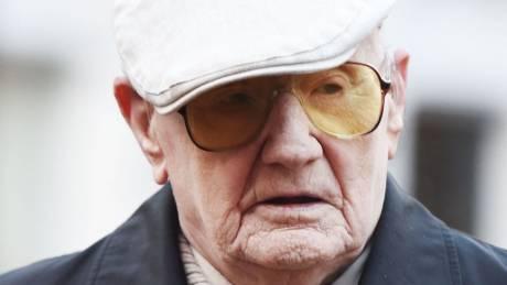 Βρετανία: Παιδεραστής ηλικίας 101 ετών έγινε ο γηραιότερος κατάδικος