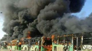 Χαλέπι: Έκαψαν λεωφορεία που απομάκρυναν αμάχους (pics&vid)