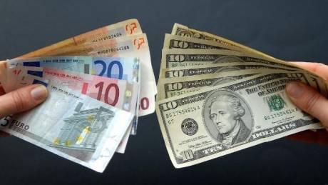 Οι αγορές βλέπουν πτώση του ευρώ κάτω από το 1 δολάριο