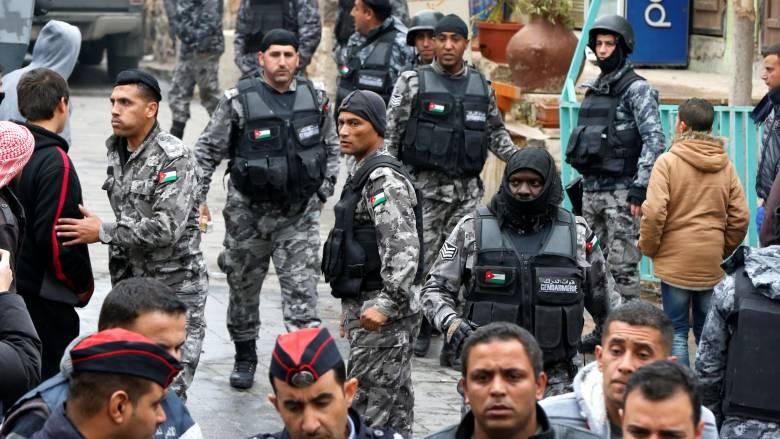 Ιορδανία: Κατασχέθηκαν όπλα και εκρηκτικά των δραστών των φονικών επιθέσεων