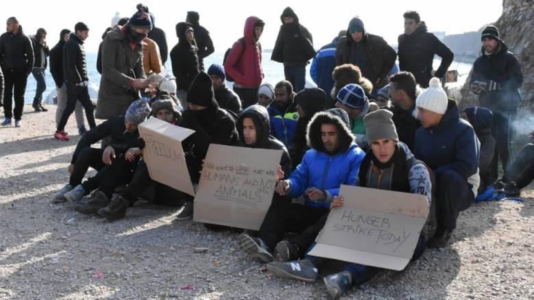 Μετανάστες στη Χίο: Βραδυφλεγής βόμβα στον καταυλισμό (pics&vid)