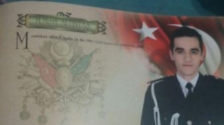 Αστυνομικός ο δολοφόνος του Ρώσου πρέσβη (pic)