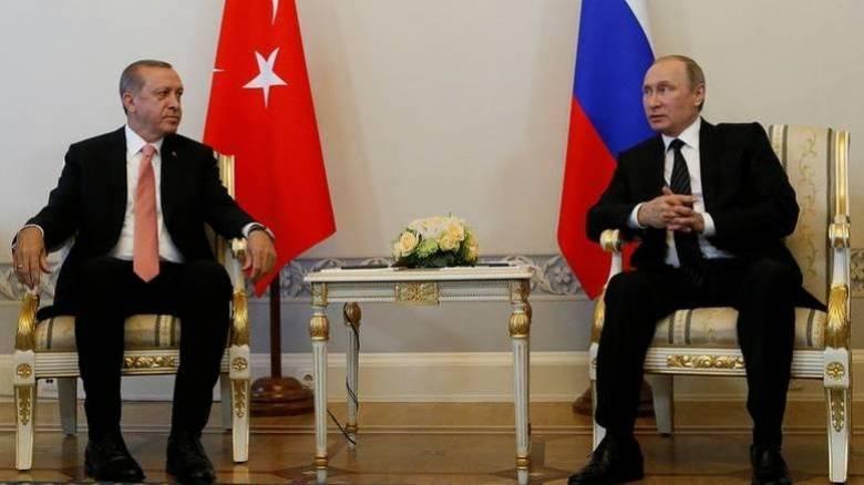 Δολοφονία πρέσβη Άγκυρα: Τηλεφωνική επικοινωνία Ερντογάν-Πούτιν