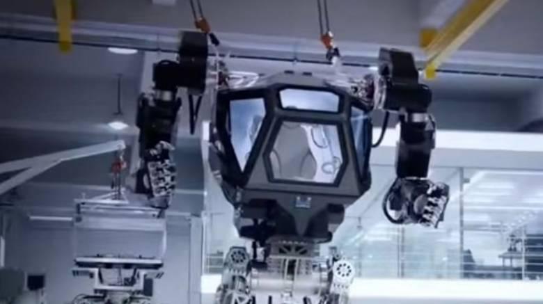 METHOD-1: Το επανδρωμένο ρομπότ τεσσάρων μέτρων που ξέρει να περπατά