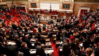 Γαλλία: Εγκρίθηκε ο... πολλά υποσχόμενος προϋπολογισμός