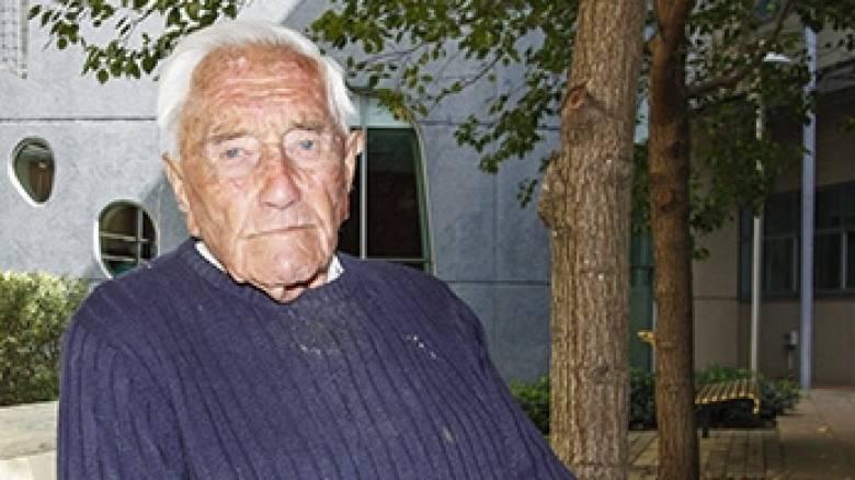 Ο γηραιότερος επιστήμονας της Αυστραλίας είναι 102 ετών και συνεχίζει να εργάζεται