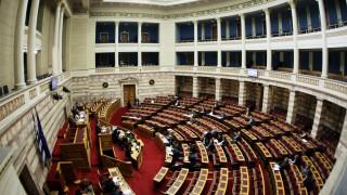 «Βρέχει» τροπολογίες στη Βουλή
