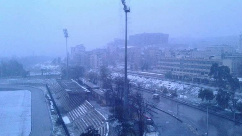 Χιόνια κάλυψαν το ισοπεδωμένο Χαλέπι (vid)