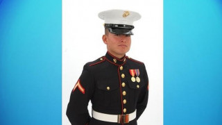 Πεζοναύτης γλύτωσε από βόμβα στο Αφγανιστάν και σκοτώθηκε βοηθώντας σε τροχαίο
