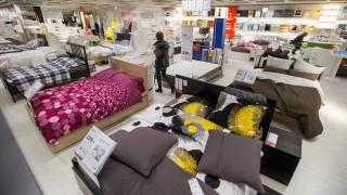 IKEA: Σταματήστε να κοιμάστε στα καταστήματά μας