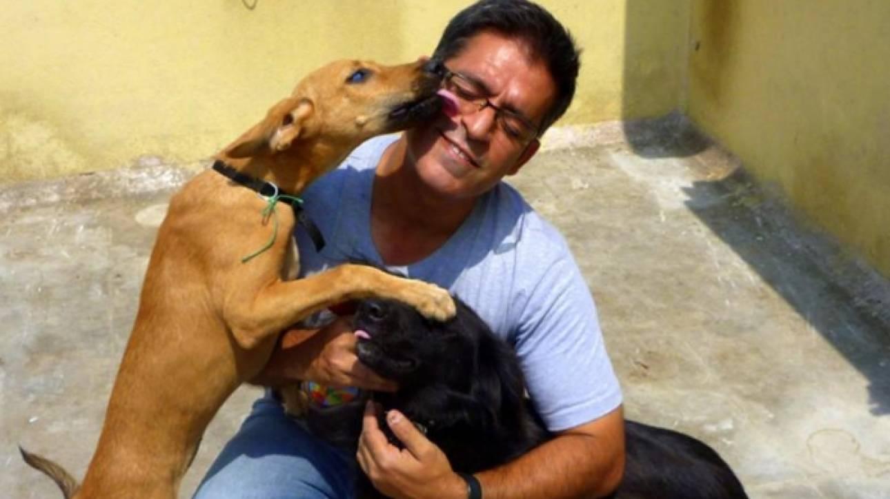 Ινδός έχει υιοθετήσει... 735 σκυλιά (pics)