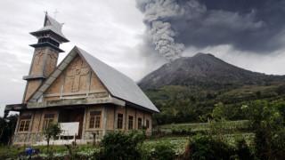 Πολύ επικίνδυνο ηφαίστειο στην Ιταλία «ξαναζωντανεύει»