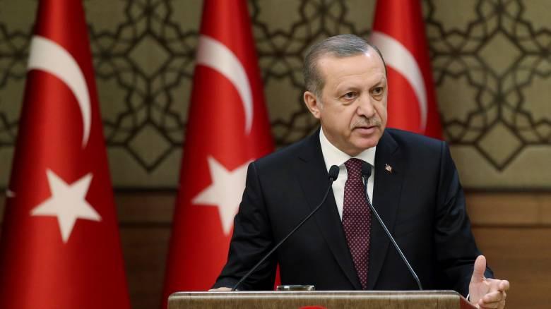 Νέο «χτύπημα» Ερντογάν: «Πονάμε για τα εδάφη που χάσαμε»