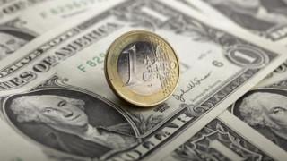 Ο Τραμπ αποδυνάμωσε το ευρώ κατά 5% έναντι του δολαρίου