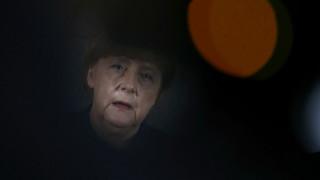 Επιτάχυνση των απελάσεων ζητά η Άνγκελα Μέρκελ