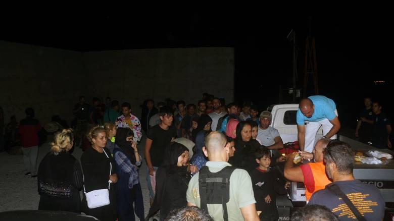 Διάσωση προσφύγων κοντά στο Φαρμακονήσι