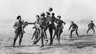 Χριστούγεννα 1914: Η ημέρα που το ποδόσφαιρο ένωσε τους εχθρούς