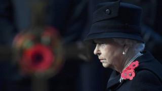 Η Βασίλισσα Ελισάβετ αναρρώνει ακόμα από το κρυολόγημα